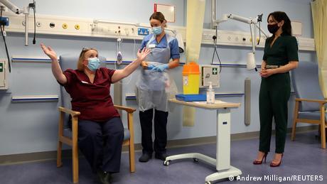England | Coronavirus | erste landesweite Impfungen
