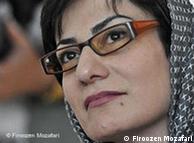 فیروزه مظفری، یکی از نادر کاریکاتوریستهای زن ایران