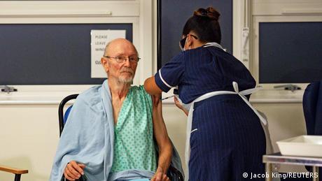 Großbritannien Pfizer/BioNTech COVID-19 Impfung