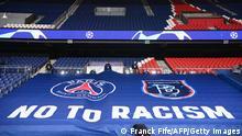 Champions League Gruppe H l PSG Paris vs Istanbul Basaksehir l Anti-Rassismus-Banner