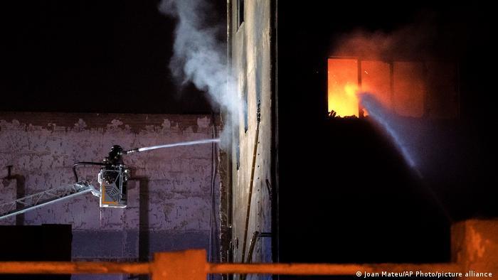 Spanien Feuer Barcelona Badalona