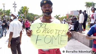 Angola Luanda  Protest gegen Arbeitslosigkeit