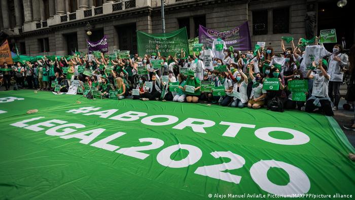 Foto de manifestantes argentinas a favor del aborto
