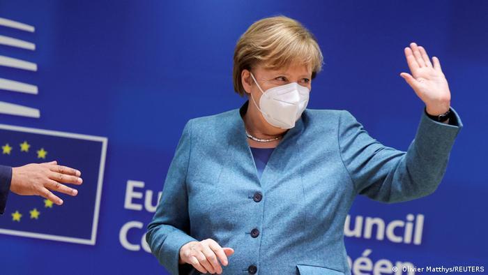المستشارة الألمانية أنغيلا ميركل أثناء حضورها في قمة زعماء دول الاتحاد الأوروبي في بروكسل
