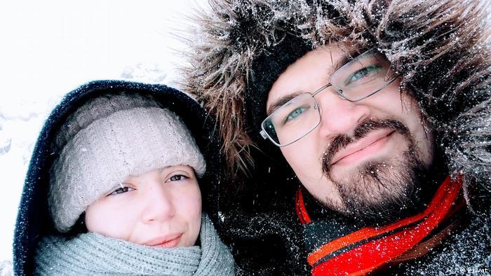 Felix Urbasik cu prietena lui April