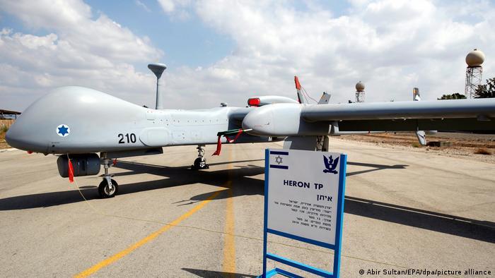 موسسه دفاعی و تحقیقات استراتژیک آلمان توصیه کرده است که ارتش این کشور از پهپادهای رزمی استفاده کند