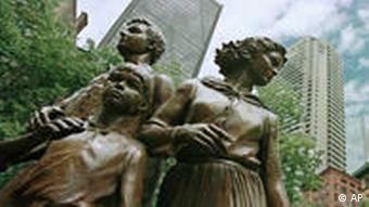 Irland Denkmal für die Opfer der Hungersnot in Dublin
