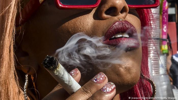 BdTD Kolumbien   Kundgebung für die Entkriminalisierung von Marihuana