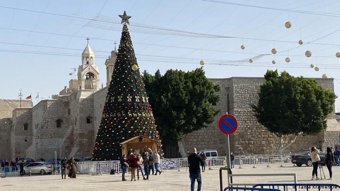 Westjordanland Bethlehem Weihnachten 2020 |Baum mit Krippe