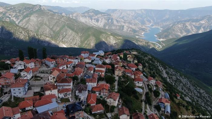 Село Гургурница - на 40 километра от Тетово