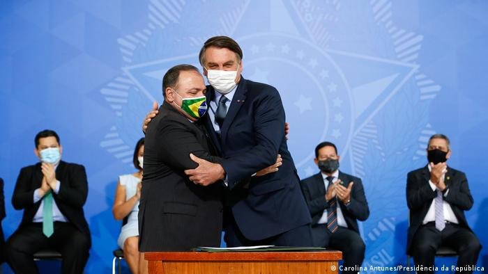 Brasilien Brasilien   Präsident Bolsonaro und Gesundheitsminister Eduardo Pazuello