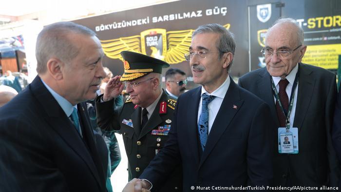 Президент Турции Реджеп Тайип Эрдоган и глава Управления оборонной промышленности Исмаил Демир