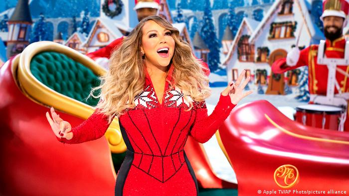 Carey performs for her upcoming online show Mariah Carey's Magical Christmas Special