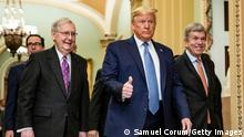 USA Washington | Coronavirus | Trump und Mitch McConnell