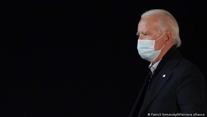 Joe Biden mit Maske in New Castle