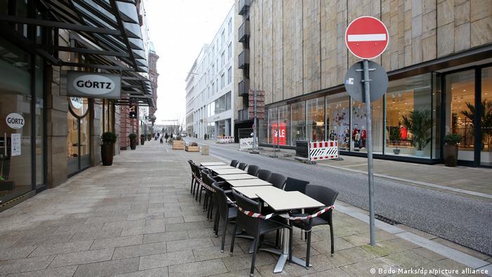 Prazna ulica u Hamburgu u prosincu 2020.