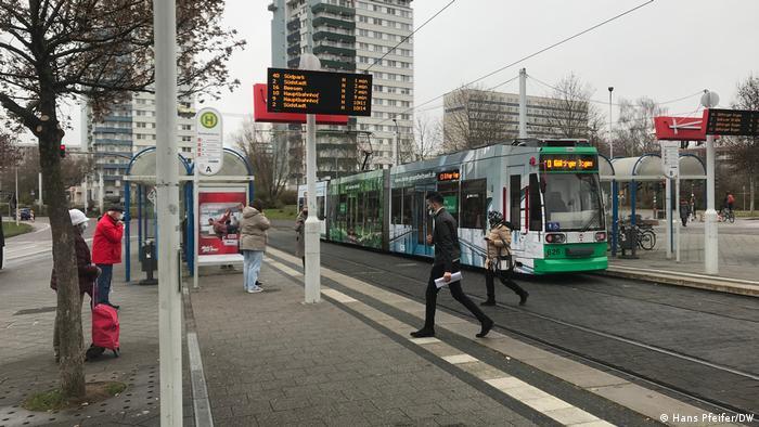 na ovoj tramvajskoj stanici su napadnuti mladi Sirijci