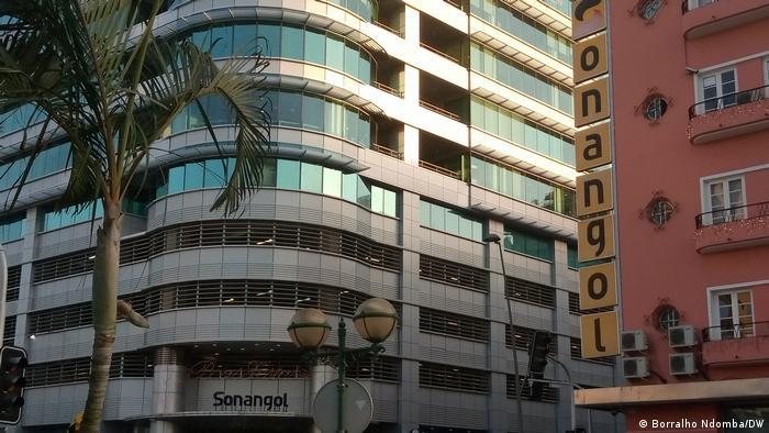 Afrika Angola Sonangol Gebäude