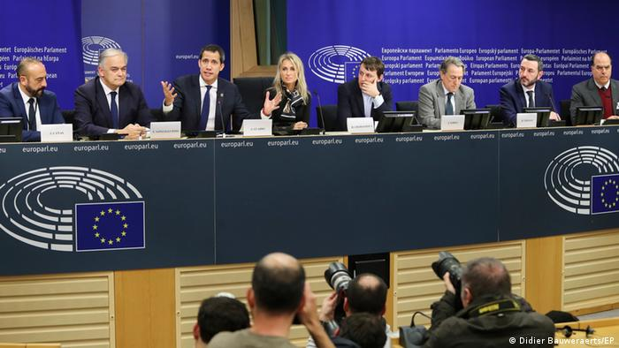 Belgien Brüssel Juan Guaidó mit Parlamentariern aller Fraktionen im Europäisches Parlament