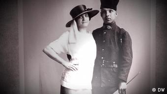 Homem e mulher em foto antiga