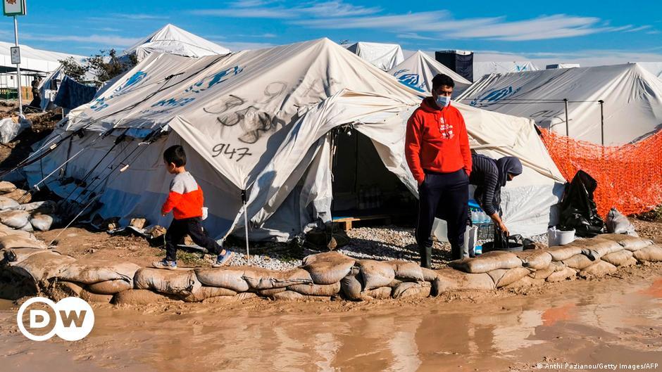 ألمانيا تستقبل 26 عائلة لاجئة من جزيرة ليسبوس اليونانية