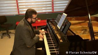 Στις πρόβες του σολίστα και καθηγητή πιάνου Νίκου Κυριόσογλου στη Θεσσαλονίκη