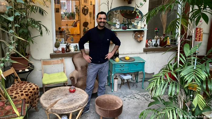 Saman Haddad in his 4tel bar where his career as a cultural ambassador first began | Photo: P. Jedicke/DW