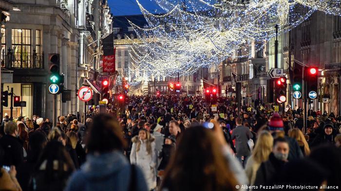 Großbritannien London | Coronavirus | Regent Street, Shopping