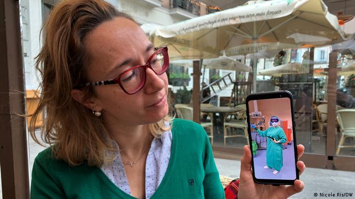 Laura Sans tiene una foto de ella misma en BPE