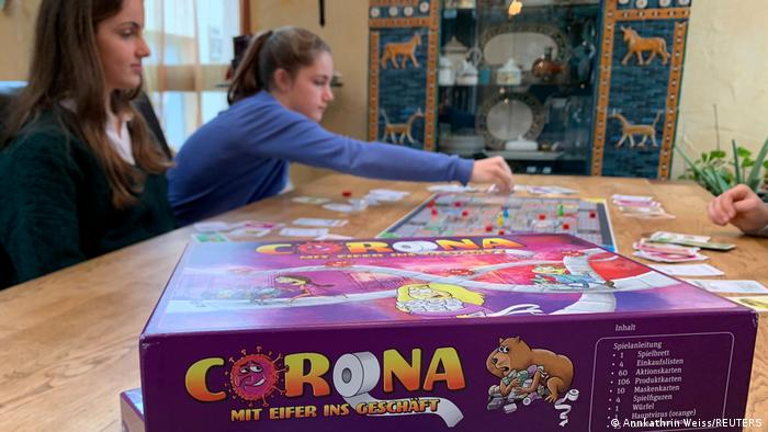 Coronavirus Rapid Growth Of Board Games Market Faces Pandemic Hurdles Business Economy And Finance News From A German Perspective Dw 01 02 2021