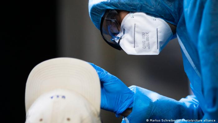 Co 10 infekcja w Berlinie jest wynikiem nowych mutacji