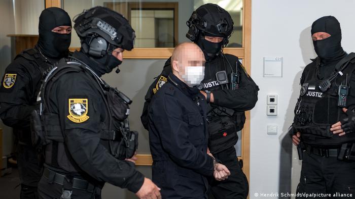 Признанный виновным в нападении на синагогу Штефан Баллит