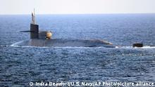 Das U-Boot «USS Georgia» der US-Marine durchquert die Straße von Hormus im Persischen Golf. Die «USS Georgia» durchquerte die strategisch wichtige Wasserstraße zwischen dem Iran und der Arabischen Halbinsel inmitten der steigenden Spannungen mit dem Iran.