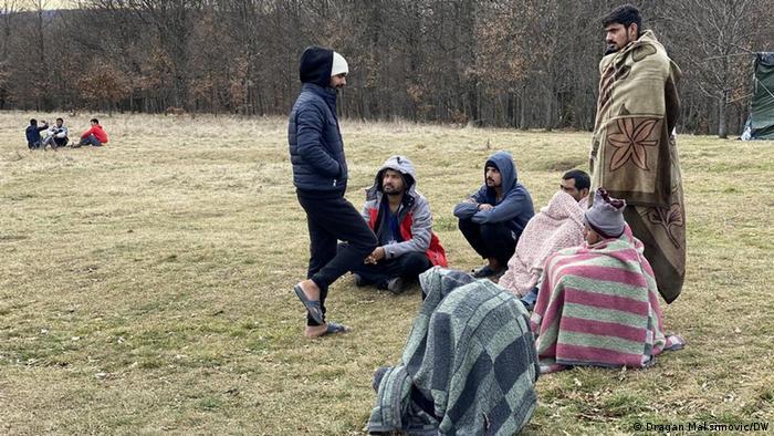 Migranti, neki umotani u pokrivače