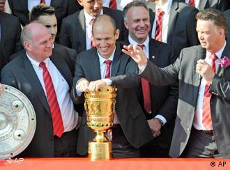 Uli Hoeness, Arjen Robben, Karl Heinz Rummenigge, Mark van Bommel, Louis van Gaal
