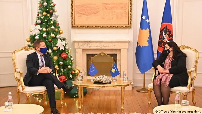 Kosovo Tomas Szunyog und Präsidentin Kosovo Vjosa Osmani