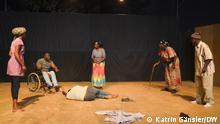 19.11.2020 Theater, Burkina Faso, Ouagadougou, Carrefour International de Thèâtre Ouagaoudou (CITO), Szene aus La Patrie ou la Mort