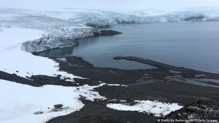 Der Collins-Gletscher auf King George Island in der Antarktis schmilzt immer mehr ab