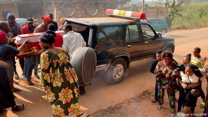 Kamerun Beerdigung des achtjährigen Nsoh Macpeace in Bamenda