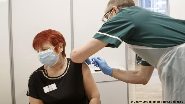 UK Corona-Pandemie Impfung