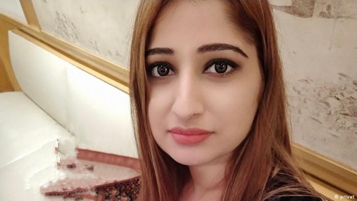 DW Urdu Bloggerin Farha Lodhi