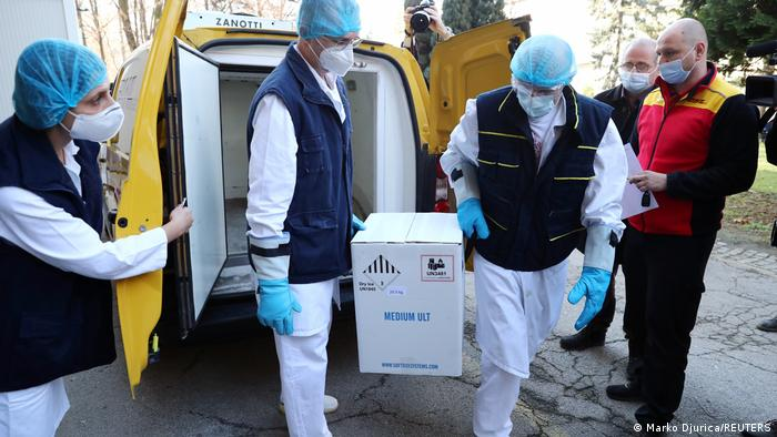 Coronavirus | Impfungen gestartet | Serbien Belgrad