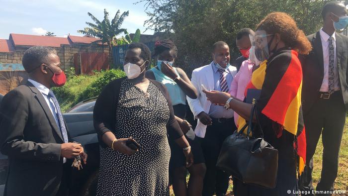 Uganda | Befragung Menschenrechtsaktivistin | Nicholas Opiyo