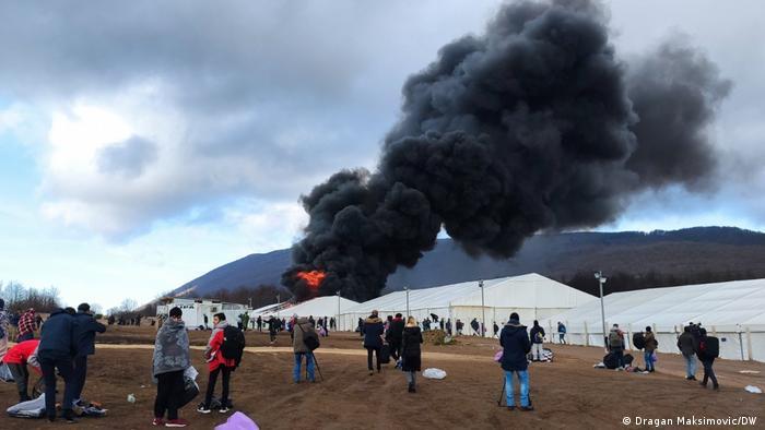 Požar u migrantskom kampu Lipa