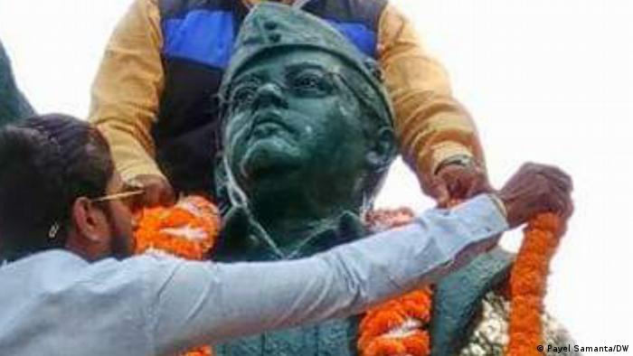 Indien Kalkutta   Statue von Netaji Subhas Chandra Basu