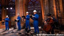 Frankreich Weihnachtskonzert in der Kathedrale Notre Dame in Paris