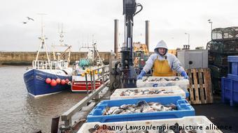 Γαλλική υποχώρηση στο θέμα της αλιείας
