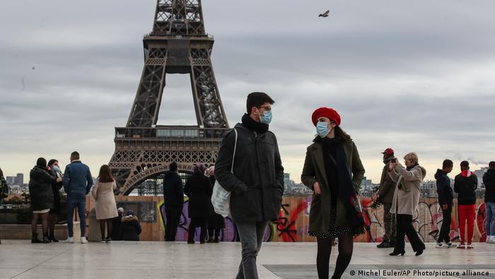 Frankreich Paris | Weihnachten Eiffel Turm Coronakrise