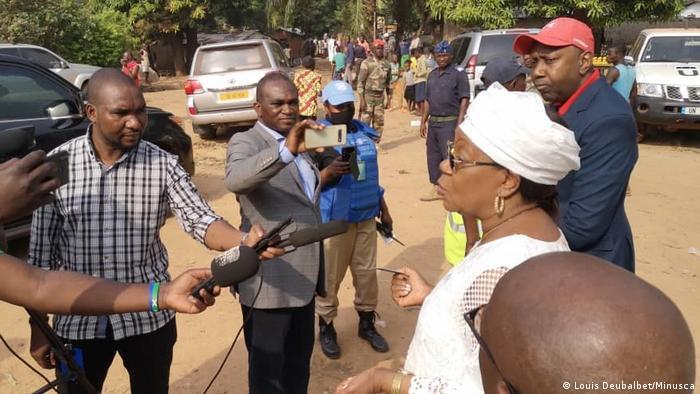 Catherine Samba Panza, l'ancienne présidente de la Centrafrique, au sortir du bureau de vote