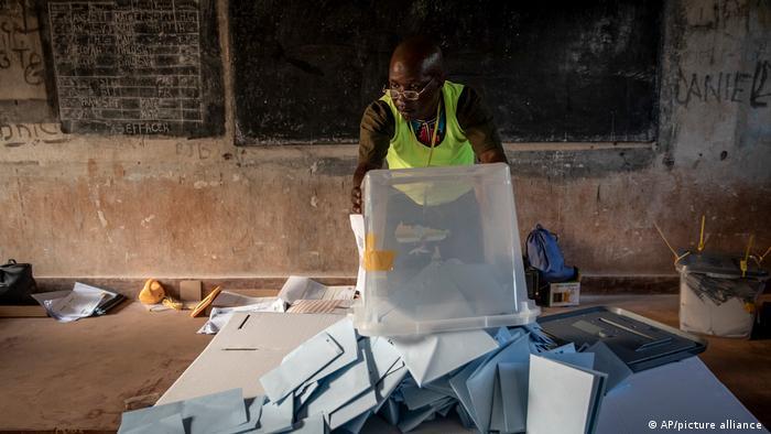 Bangui: Stimmauszählung in Zentralafrika